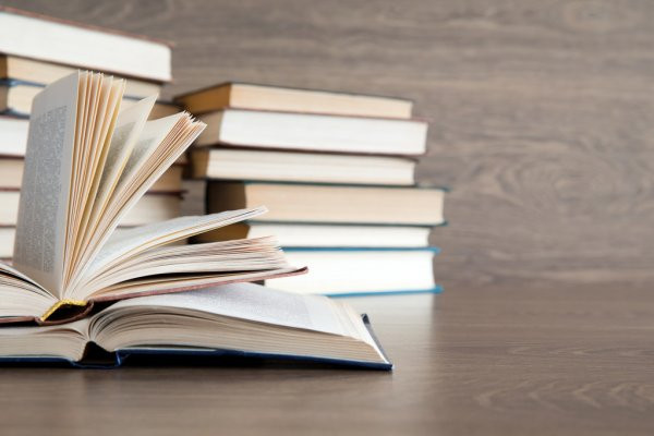 depositphotos_49813215-stock-photo-school-books.jpg